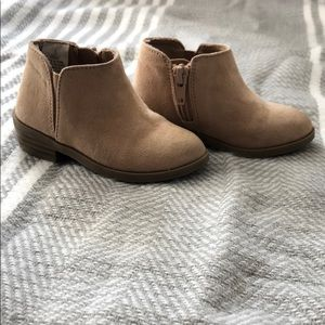 Toddler girls Old Navy booties. Size 5